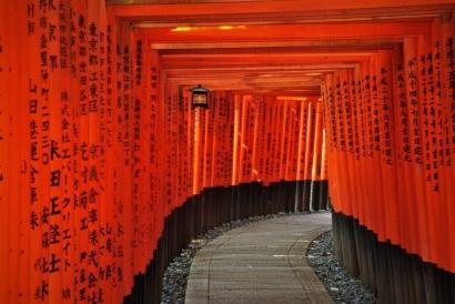 Fushimi Inari Taisha, Pesona Kuil Shinto 1000 Torii