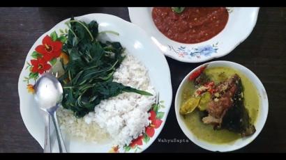 Nikmatnya Sajian Mangut Ikan Panggang dengan Sayur Bening dan Sambal Terasi di Kota Pati