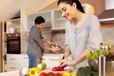 Berbagi Pekerjaan Rumah adalah Salah Satu Indikator Keluarga Harmonis