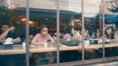 Mengapa Hasrat Nongkrong di Kafe Mulai Menurun Kala Memasuki Usia Kepala 3?