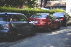 Ribut dengan Tetangga Gara-gara Parkir Mobil di Depan Rumah? Ini Solusi yang Dapat Anda Lakukan