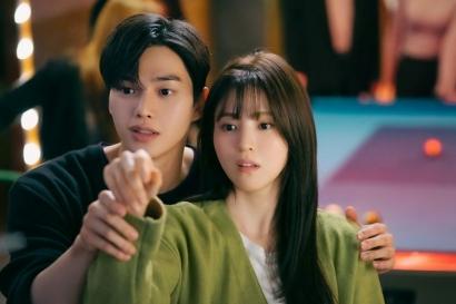 "Jebakan ""Romantic Love Toxic"" dalam Drama Nevertheless"