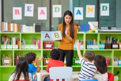 Menjadi Guru PAUD dengan Kemampuan Menulis Yahud