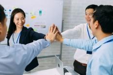 Bagaimana Cara Menciptakan Harmonisasi antara Senior dan Junior di Lingkungan Kerja?