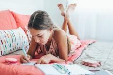Pentingnya Buku Evaluasi Diri bagi Anak