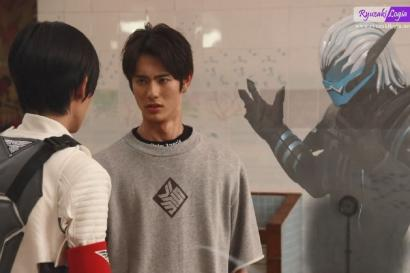 """""""Kamen Rider Revice"""" Episode 2: Si Vice Emang Iblis!"""