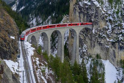 """Scenic Train"" di Eropa, Kereta-Kereta dengan Jalur Menakjubkan"