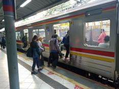 Berat Badan Stabil karena Rutin Naik Transportasi Umum