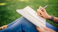 Bagaimana Menyampaikan Pesan Moral dalam Menulis Cerpen?