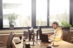 Kantor adalah Tempat Kerja, Bukan Lembaga Pelayanan Karitatif