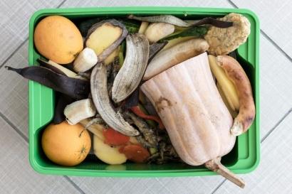 Manfaatkan Limbah Dapur Menjadi Eco Enzym