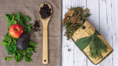 Literasi Lingkungan: Praktik Membuat Eco Enzyme