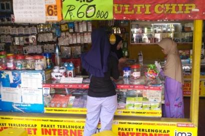 Konter Pulsa, Bisnis yang Kini di Persimpangan Jalan