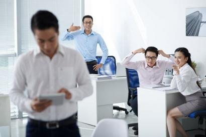 Tips Menyikapi Rekan Kerja yang Toxic