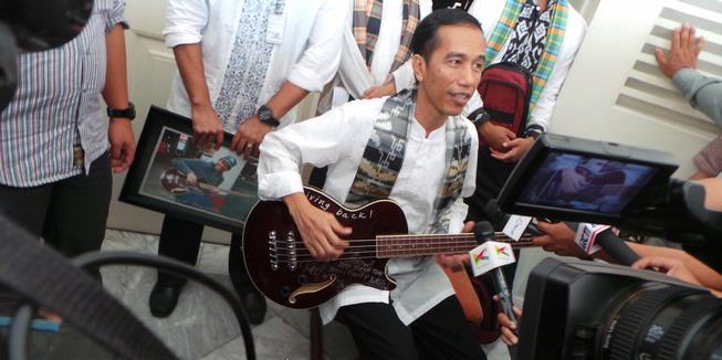 Jokowi, Sang Gubernur Gaul