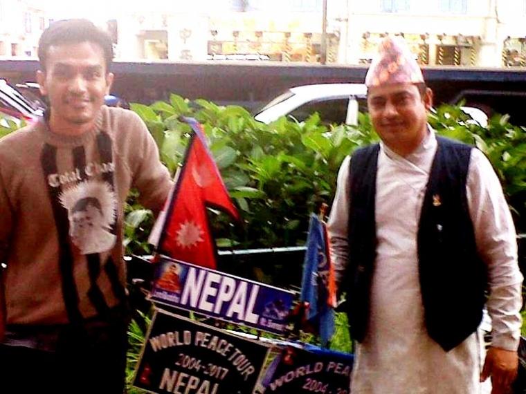Lok Bandhu Karki, Bersepeda Keliling Dunia Membawa Misi Perdamaian
