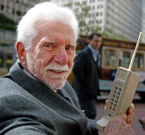 Ponsel Pertama Di Abad 20