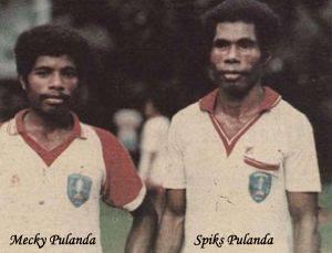 Pemain-Pemain Bersaudara Asal Papua di Lapangan Hijau