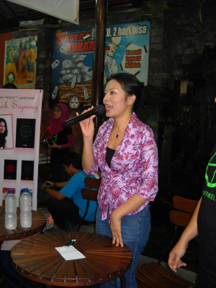 Dewi Dee Lestari, Memaknai Kembali Segelas Kopi