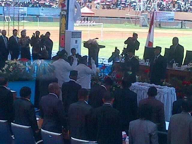 Liputan dari Pelantikan Gubernur Papua di Stadion Mandala