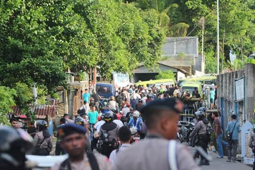 Konsentrasi Massa di Batu Gantong, Ambon