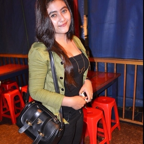 Inilah Gadis Cantik Darin yang Biasa Dukunjungi Luthfi Hasan Ishaq