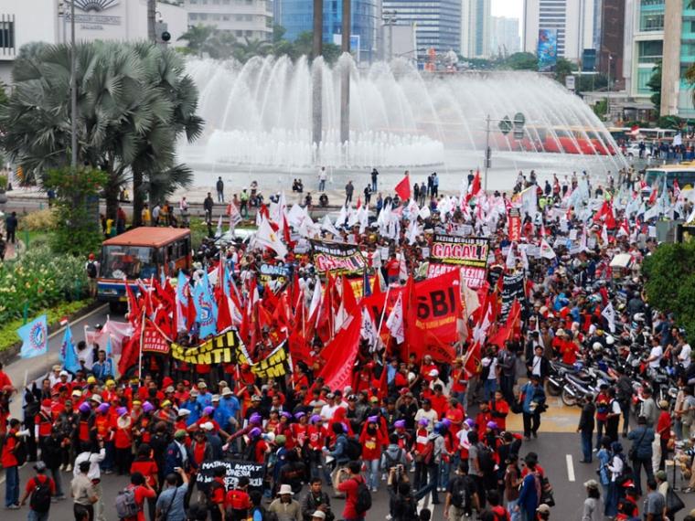 Demonstrasi yang berujung Anarkis tidak Dibenarkan tapi tidak bisa Disalahkan
