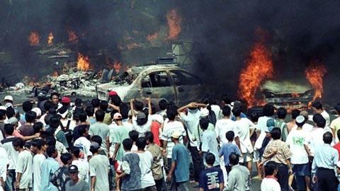 """Kerusuhan Mei 1998, Saya Malah """"Patroli"""" Keliling Kota"""