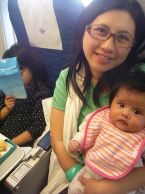 Pengalaman Membawa Bayi Naik Pesawat