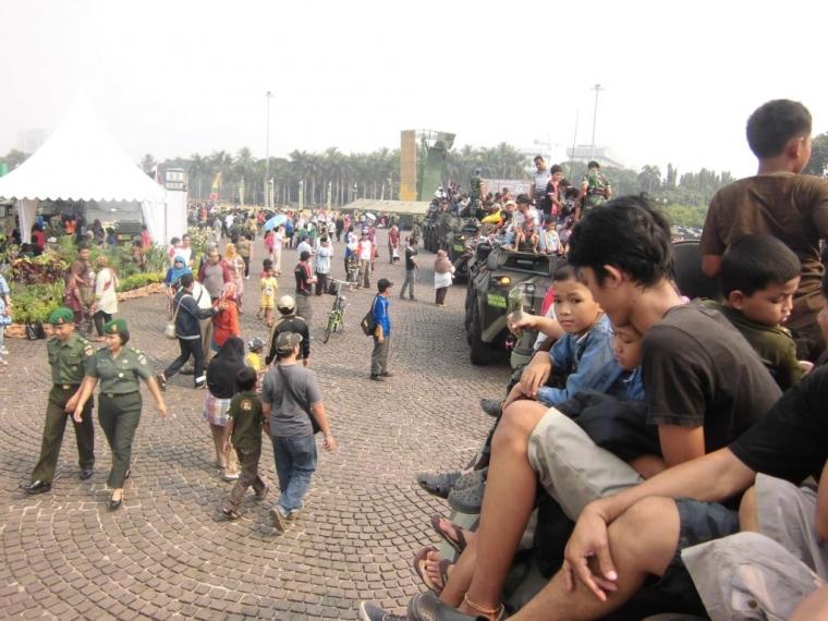 Pengalaman Seru Naik Panser Anoa TNI AD