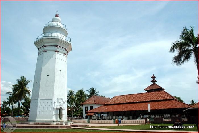 Berziarah di Masjid Agung Banten