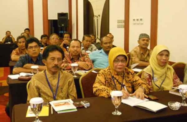 Dewan Pendidikan dan Komite Sekolah : Legal Tapi Tak Bergigi