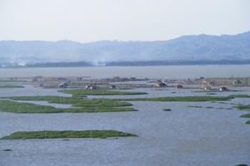 Danau-danau yang Sekarat oleh Yustinus Sapto Hardjanto