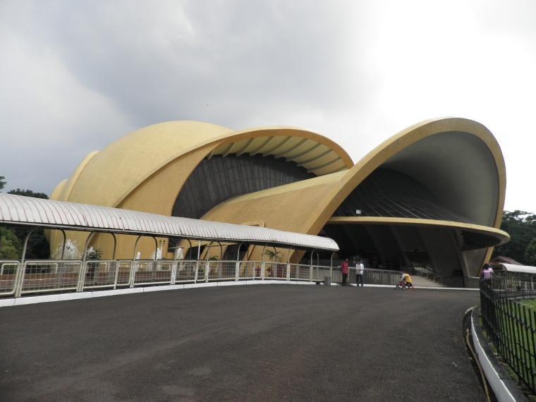 Keong Mas, Teater dan Cerita Rakyat Keong Mas