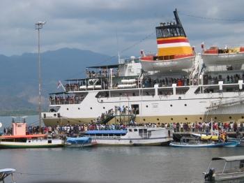 Sensasi Perjalanan Dengan Kapal Laut Oleh Yohanes Apriano Dawan
