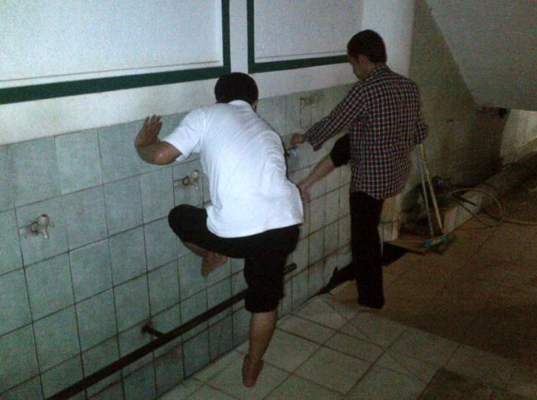 Heboh! Jokowi Tak Bisa Wudhu??