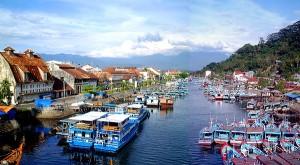 "Kota Padang ""Gateway of tropical Paradise"" Sumatera Barat"