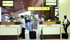 Lawan Petugas Imigrasi Korup di Bandara Soekarno-Hatta