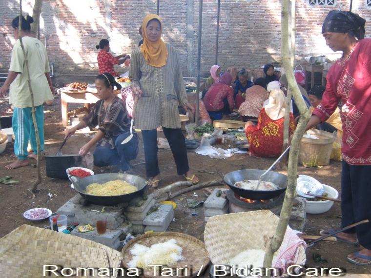 """""""Tradisi Rewang"""" Penyelenggara Pesta Tak Boleh Masuk ke Dapur"""