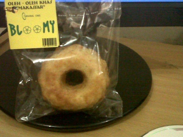 Kue Bloomy, Kuliner Baru Khas Makassar