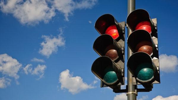 lampu merah perempatan