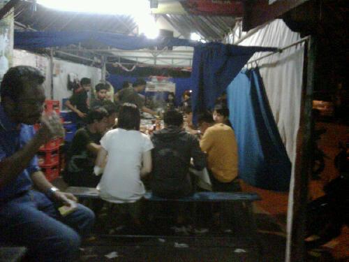 Bukan Rumor, Bukan Gosip.., Pallubasa Serigala...!  (Wisata Kuliner di Makassar)