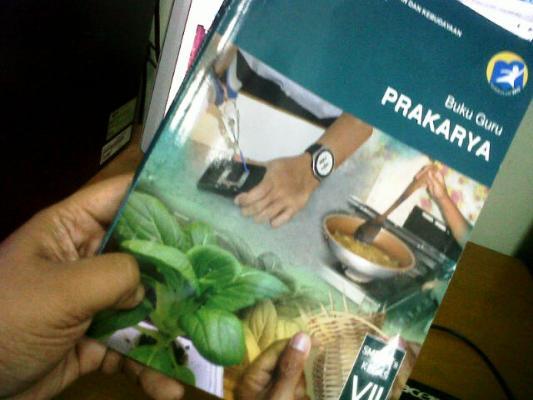 Menjadi Guru Prakarya di Kurikulum 2013