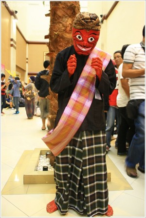 Indonesia Banget di KostuMasa Hello Fest 8