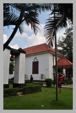 Menyusur Pesisir Jakarta (1): Jejak Portugis di Gereja Tugu
