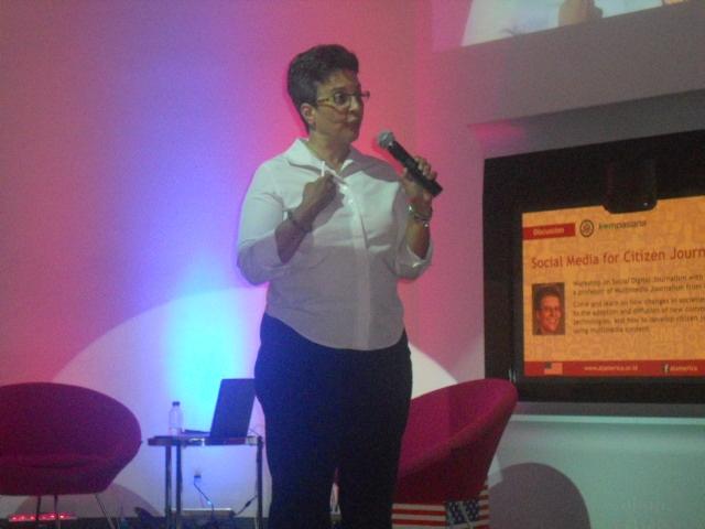 Menimba Ilmu dari Pakar Jurnalisme Online dan Multimedia, Mindy McAdams