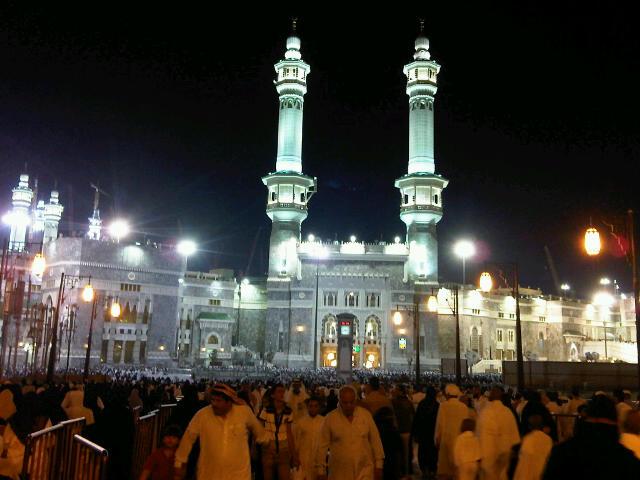 Umrah Ramadhan dan Kemelut TKW di Saudi