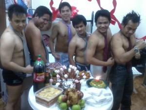 Nih...Gaya Pekerja Filipina Berulang Tahun