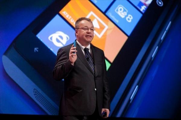 iPhone versus Nokia Lumia 900, Pilih Mana?