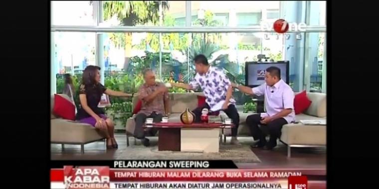 Heboh Munarman Menyiram Tamrin Amal Tamagola di Live TV One